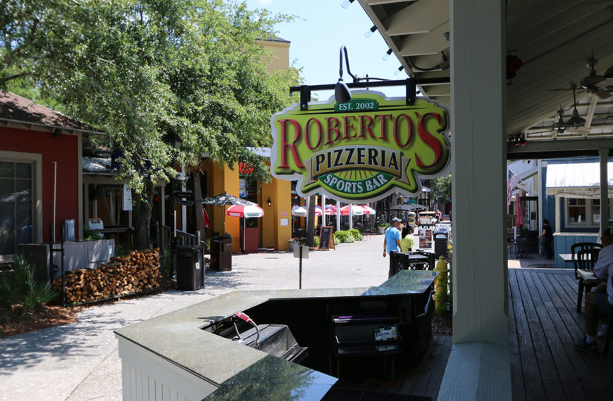 Friendly staff and tasty food at Roberto's Italian Pizzeria Sports Bar in Destin, Florida